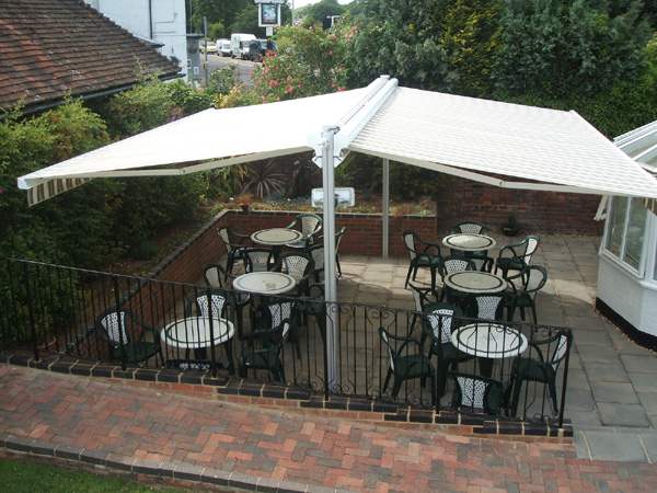 Freestanding twin awning for 36 sq metres of al fresco dining