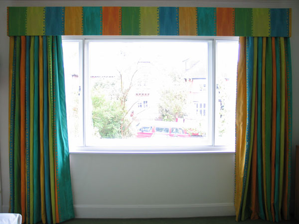Curtains with simple, flat, lightly padded pelmet