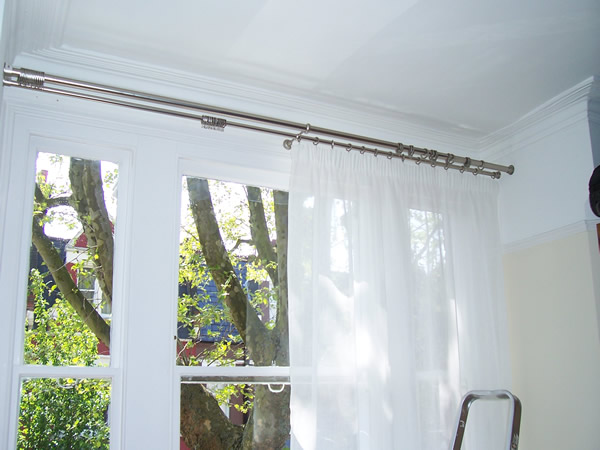 28mm double pole fitted with recess brackets at each side