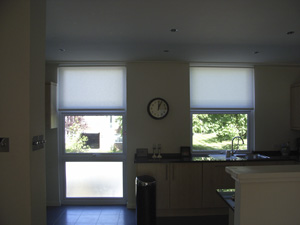 Simple roller blinds Swiss Cottage