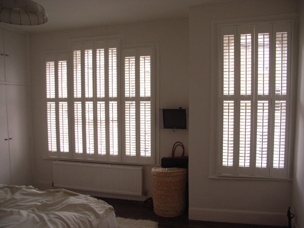Silk white shutters with 47mm louvres