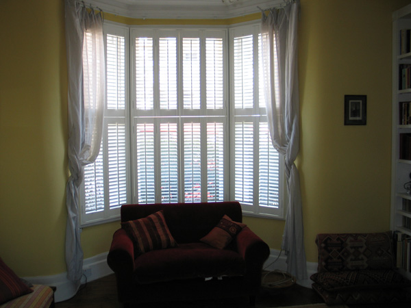 Tier on tier, bifold shutters with 47mm louvres