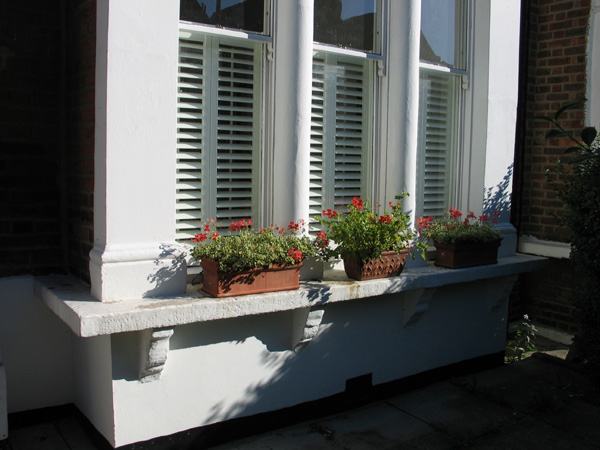 Cafe height 47mm louvres in silk white